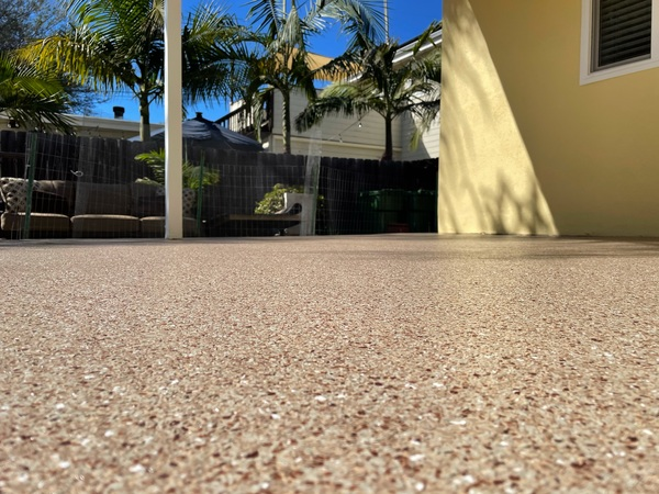 Chip epoxy flooring for outdoor living space